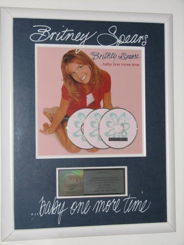 BABY ONE MORE TIME RIAA AWARD OFFICIAL  USA / BRITNEY SPEARS-CD-DISQUES-RECORDS-BOUTIQUE VINYLES